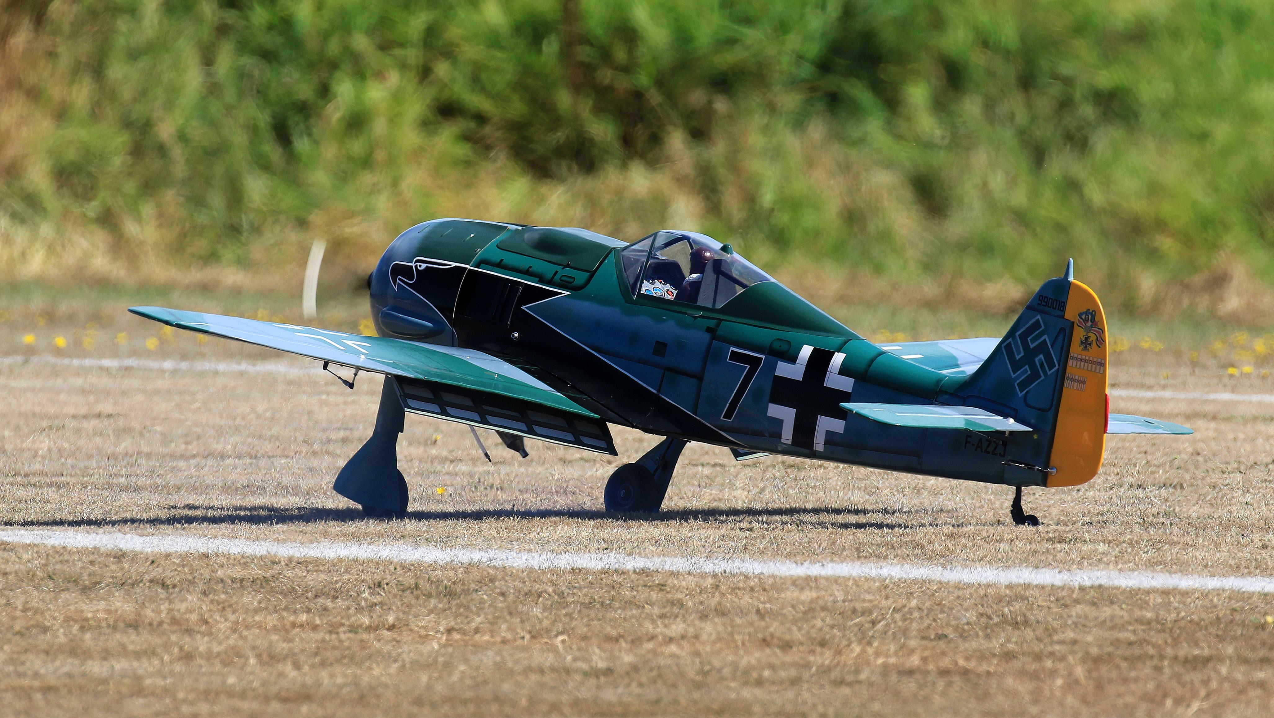 FW-190 02 LR.jpg