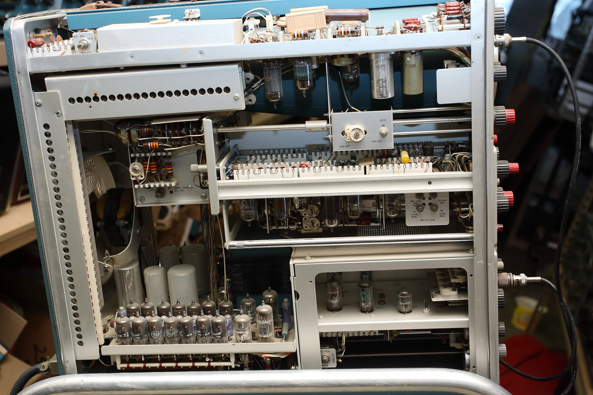 Tektronix 555 inside.JPG
