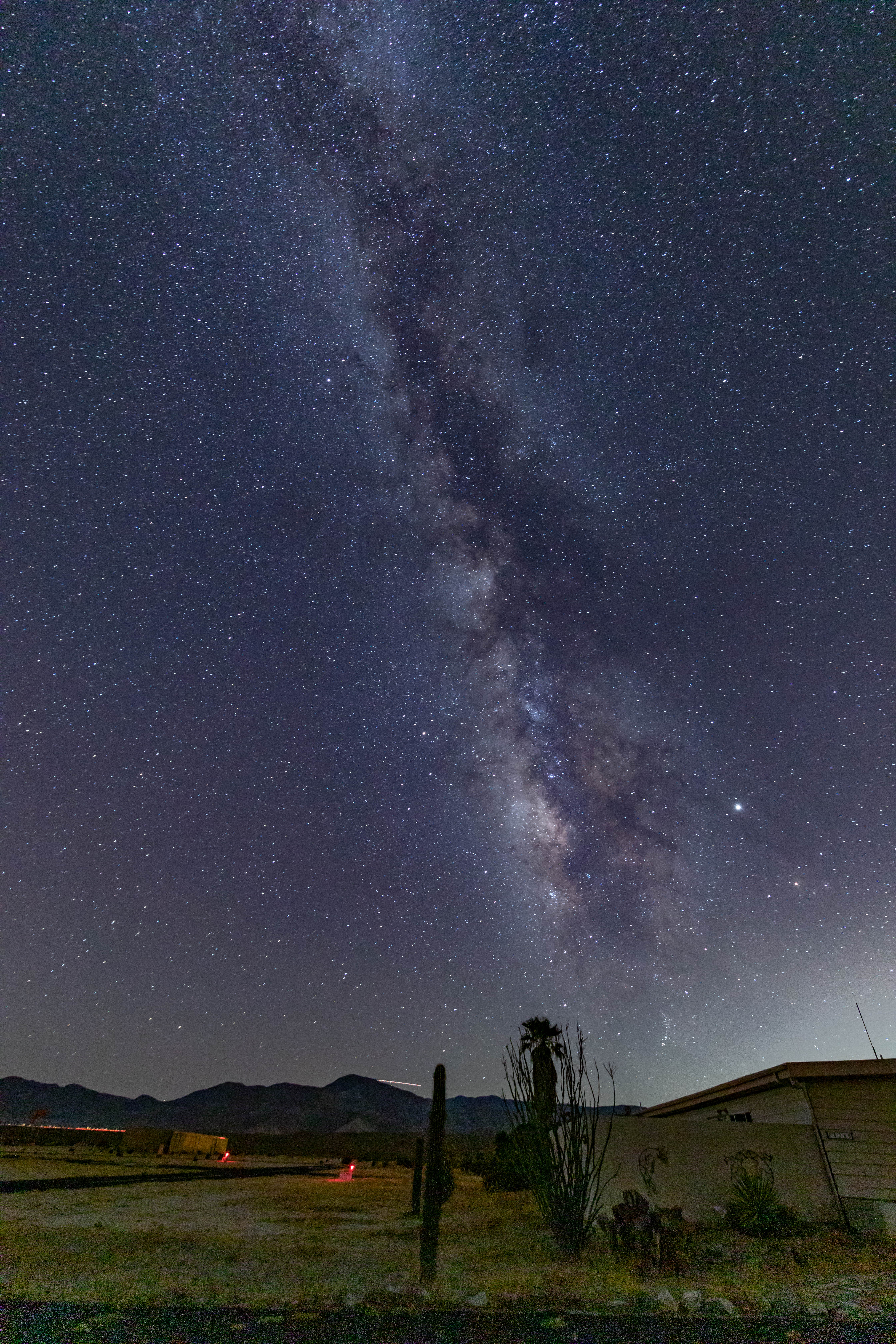 hj_2019-8-29-nightsky-milkyway-vertical-green (1 of 1).jpg