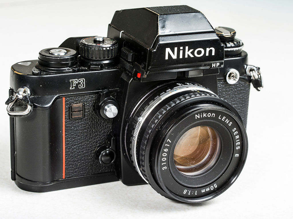 1024px-Nikon_F3_with_HP_viewfinder.jpeg