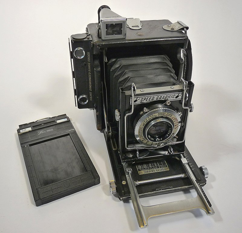 800px-Graflex_speedgraphic_medium_format,_1.jpg