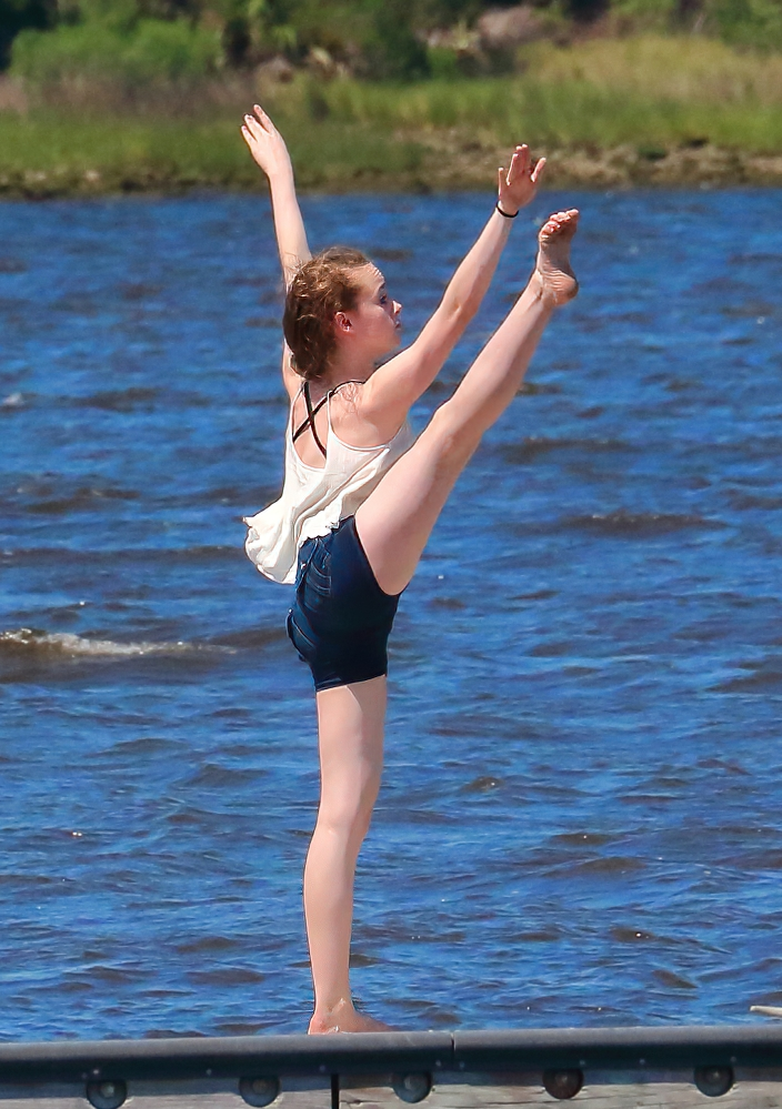 Dancer-1b.jpg