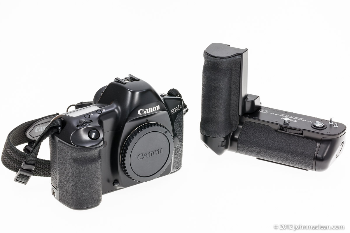 Canon_EOS-1N_Power_Drive_Booster_PB-E2_front_1200pixel.jpg