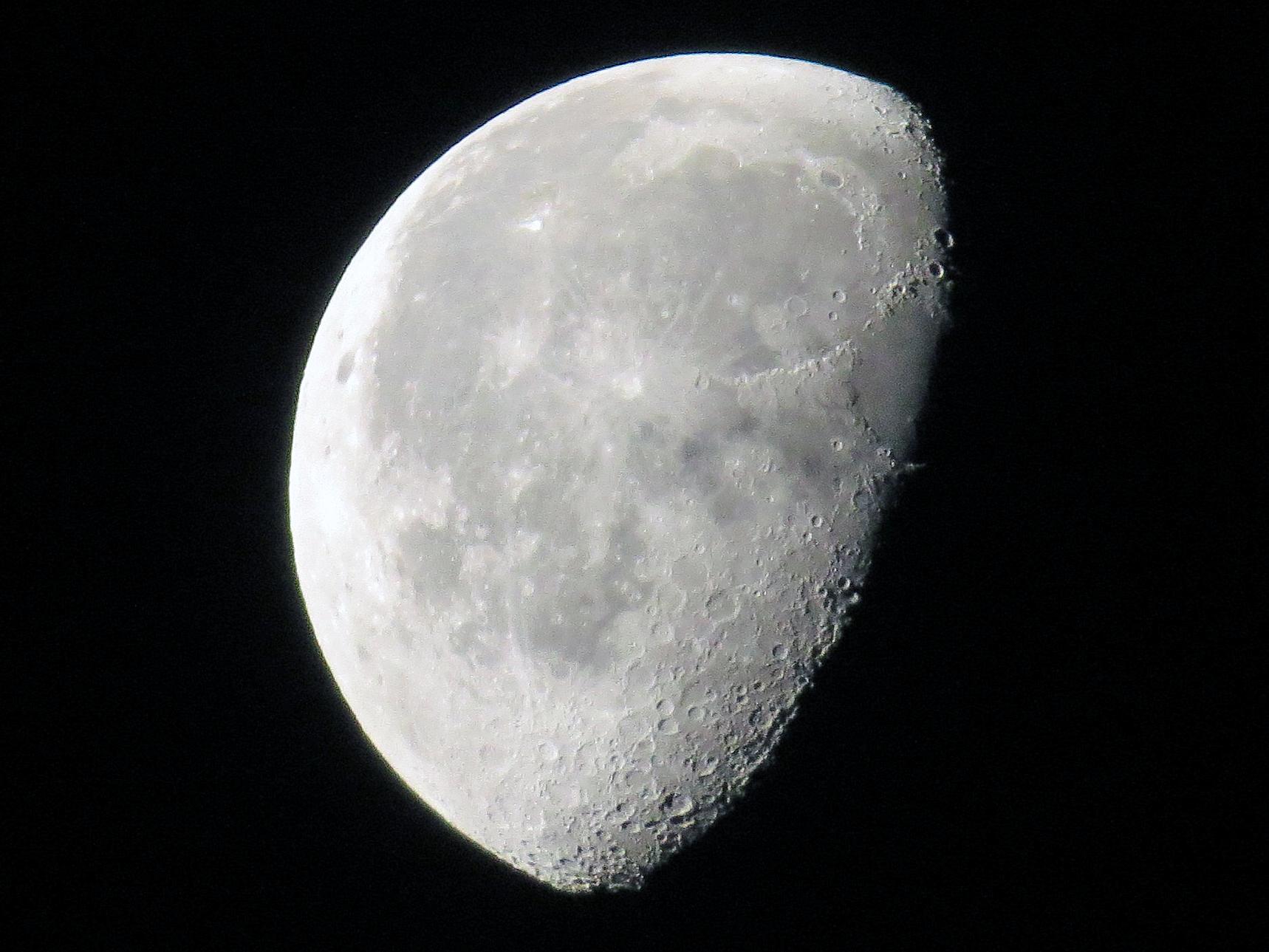 NZ Auckland Moon 01.jpg