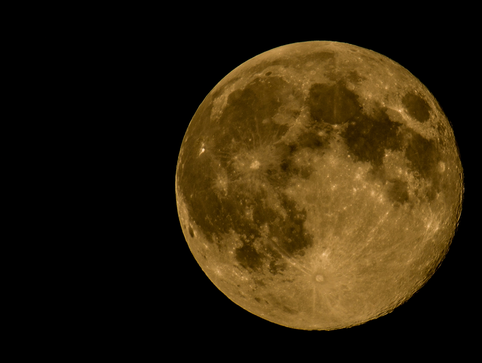 What setting should I use to take pics of moon/sta ...