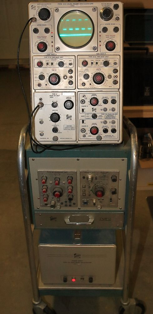 Tektronix 555.JPG